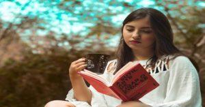 Çalışırken Daha İyi Odaklanmak için Kitap Okuyun